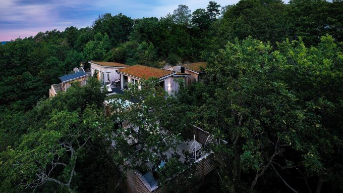 Treetop Spa, Hangout & Hotel